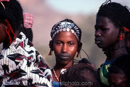 africa;african;africans;black;ethnic;people;person;persons;jewellery;portrait;portraits;tradition;traditional;costume;costumes;traditions-costume;traditional-costumes;culture;cultural;cultures;tribe;tribes;tribal;west-africa;indigenous;native;adorn;adornment;hat;hats;islam;islamic;muslim;girl;female;cloth;sahel;mali;malian;jewellery-;jewelery;jewelry;peul;fulani;bandiagara;coin;coins;facial-tattoo;tattoo;decoration;face;marking