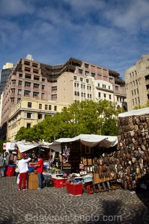 1696;Africa;African-curio-market;African-market;African-markets;Cape-Town;city-bowl;commerce;commercial;craft-market;craft-markets;curio-market;curio-markets;Greenmarket-Sq;Greenmarket-Square;historical-square;market;market-place;market-stall;market-stalls;market_place;marketplace;marketplaces;markets;people;person;retail;retailer;retailers;S.A.;shop;shopping;shops;South-Africa;Southern-Africa;souvenir-market;souvenir-markets;Sth-Africa;tourism;tourist-market;Western-Cape;Western-Cape-Province