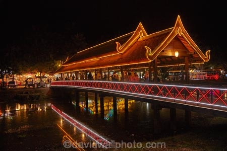 Art-Centre-Market;Art-Centre-Night-Market;Asia;bridge;bridges;calm;Cambodia;covered-bridge;covered-bridges;covered-pedestrian-bridge;covered-pedestrian-bridges;dark;dusk;evening;fairy-lights;foot-bridge;foot-bridges;footbridge;footbridges;Indochina-Peninsula;Kampuchea;Kingdom-of-Cambodia;light;lighting;lights;neon-light;neon-lights;night;night-market;night-markets;night-time;night_time;pedestrian-bridge;pedestrian-bridges;people;person;placid;quiet;reflected;reflection;reflections;rivers;serene;Siem-Reap;Siem-Reap-Art-Centre-Night-Market;Siem-Reap-Province;Siem-Reap-River;smooth;Southeast-Asia;still;tourism;tourist;tourists;tranquil;twilight;water
