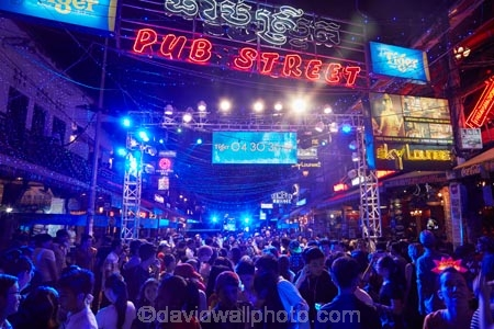 ale-house;ale-houses;Asia;bar;bars;Cambodia;Cambodian;celebration;crowd;dark;dusk;entertainment;evening;free-house;free-houses;hotel;hotels;Indochina-Peninsula;Kampuchea;Kingdom-of-Cambodia;leisure;light;lighting;lights;neon-light;neon-lights;New-Years-Eve;New-Years-Eve;New-Years-Eve-Party;night;night-life;night-time;night_life;night_time;nightlife;party;partying;people;person;pub;Pub-St;Pub-Street;public-house;public-houses;pubs;saloon;saloons;Siem-Reap;Siem-Reap-Province;Southeast-Asia;tavern;taverns;tourism;tourist;tourists;twilight