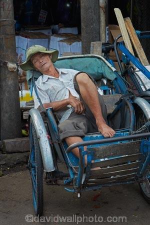 Asian;barrow;barrows;cart;carts;commerce;commercial;Dong-Ba-Market;hand-cart;Hu;Hue;market;market-place;market-stall;market-stalls;market_place;marketplace;marketplaces;markets;nap;North-Central-Coast;people;person;retail;retailer;retailers;rickshaw;rickshaws;shop;shopping;shops;sleep;sleeping;snooze;stall;stalls;street-scene;street-scenes;Tha-Thiên_Hu-Province;Thua-Thien_Hue-Province;Vietnam;Vietnamese;wheel-barrow;Asia