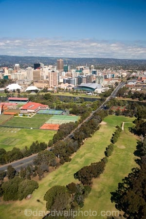 Golf course river torrens and cbd adelaide south for Landscaping courses adelaide