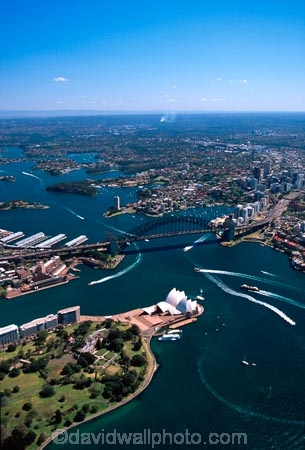 Sydney;Opera;House;Sydney;Harbour;harbor;harbors;harbours;Bridge;bridges;Australia;aerial;architecture;boat;boats;ferry;ferries;wake;aerials;royal-botanic-gardens;royal;botanic;gardens;park