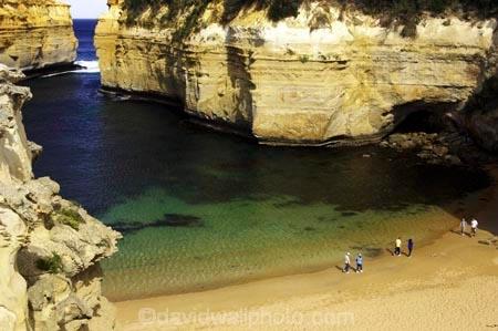 australasian;australia;australian;bay;bays;beach;beaches;bluff;bluffs;calm;cliff;cliffs;coast;coastal;coastline;erode;erodes;erosion;errosion;geological-formation;geological-formations;geology;great-ocean-highway;great-ocean-road;great-ocean-route;idylic;landscape;landscapes;loch-ard-gorge;loch-art-gorge;lochard-gorge;natrural-feature;natural-wonder;ocean;oceans;people;person;persons;port-campbell-national-park;rock-formation;rock-formations;sand;sandy;sea;seas;shipwreck-coast;shore;shoreline;southern-ocean;steep;tourism;tourist;tourists;travel;traveler;travelers;travellers;victoria;viewpoint;viewpoints;water