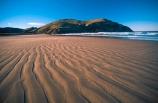 bays;beach;beaches;Cannibal-Bay;Catlins;coast;coastal;coastline;headland;n.z.;New-Zealand;nz;ocean;promontory;sand;sea;shore;shoreline;South-Island;South-Otago;Southern-Scenic-Route;Southland;wave;waves