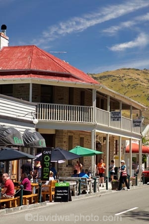 accommodation;al-fresco;ale-house;ale-houses;architecture;B-amp;-B;Bamp;B;bar;bars;bed-and-breakfast;building;buildings;cafe;cafes;Central-Otago;Clyde;coffee-shop;coffee-shops;coffeeshop;coffeeshops;colonial;cuisine;dine;diners;dining;Dunstand-House;eat;eating;food;free-house;free-houses;heritage;historic;historic-building;historic-buildings;historical;historical-building;historical-buildings;history;hotel;hotels;lodge;lodges;meals;N.Z.;New-Zealand;NZ;old;outside;people;person;pub;public-house;public-houses;pubs;restaurant;restaurants;S.I.;saloon;saloons;SI;South-Is.;South-Island;stone;summer;tavern;taverns;tradition;traditional