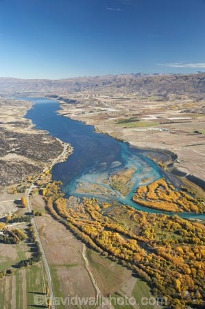 aerial;aerial-photo;aerial-photograph;aerial-photographs;aerial-photography;aerial-photos;aerial-view;aerial-views;aerials;autuminal;autumn;autumn-colour;autumn-colours;Autumn-Willow-Trees;autumnal;braided-river;braided-rivers;Central-Otago;Clutha-River;Clutha-River-Delta;color;colors;colour;colours;creek;creeks;deciduous;delta;deltas;fall;golden;hydro-lake;hydro-lakes;lake;Lake-Dunstan;lakes;meander;meandering;meandering-river;meandering-rivers;N.Z.;New-Zealand;NZ;Otago;river;river-delta;river-deltas;rivers;S.I.;season;seasonal;seasons;SI;South-Is.;South-Island;stream;streams;tree;trees;Upper-Clutha;water;willow;willow-tree;willow-trees;willows;yellow