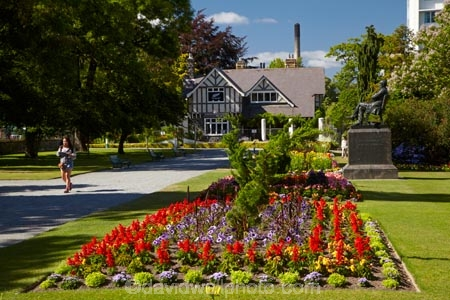 Curators house and botanic gardens hagley park for Landscape gardeners christchurch