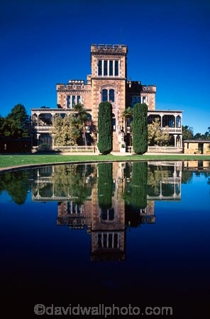 architecture;castles;historic;historical;otago-peninsula;pond;reflection
