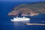 albatross-colony;boat;boats;boats-cruiseship;bon-voyage;cruises;cruising;departing;departure;harbor;harbors;harbour;harbours;heads;passengers;ship;ships,passenger;tourism;tourist;tourists;travel