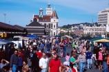 Dunedin;Otago;farmer;farmers;market;Railway-Station;people;crowd;crowded;gathering;stall;stalls;colour;food;produce
