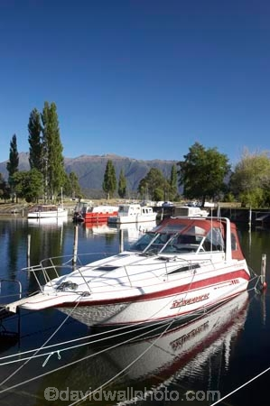Bluegum-Point;boat;boats;calm;calmness;cruise;cruises;Fiordland;harbor;harbors;harbour;harbours;hull;hulls;lake;Lake-Te-Anau;lakes;launch;launches;marina;marinas;maverick;N.Z.;New-Zealand;NZ;peaceful;peacefulness;pleasure-boat;pleasure-boats;reflection;reflections;S.I.;SI;South-Island;Southland;still;stillness;Te-Anau;tranquil;tranquility;water;yacht;yachts