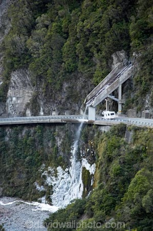 Bowen Falls Fiordland