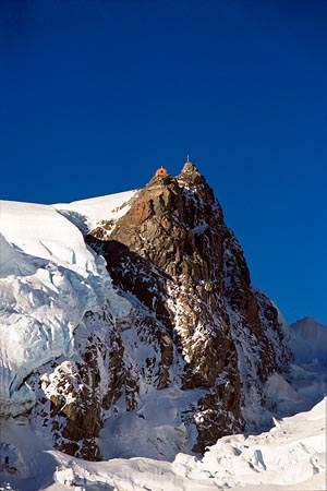 alpine;climbers-hut;glacier;hut;huts;main-divide;mountain;mountaineers-hut;mountains;peak;pinnacle;snow;southern-alps