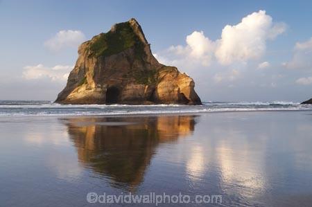 Archway-Is;Archway-Is.;Archway-Island;Archway-Islands;beach;beaches;calm;coast;coastal;coastline;foreshore;geological;geology;N.Z.;Nelson-Region;New-Zealand;North-West-Nelson-Region;NZ;placid;quiet;reflection;reflections;rock;rock-archway;rock-archways;rock-formation;rock-formations;rock-outcrop;rock-outcrops;rock-tor;rock-torr;rock-torrs;rock-tors;rocks;S.I.;sand;sandy;serene;shore;shoreline;SI;smooth;South-Is.;South-Island;still;stone;Tasman-Sea;tranquil;water;Wharariki-Beach