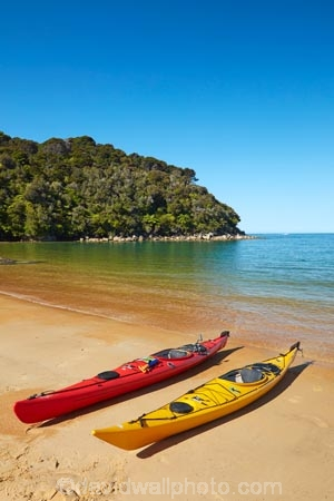 Abel-Tasman;Abel-Tasman-N.P.;Abel-Tasman-National-Park;Abel-Tasman-NP;adventure;adventure-tourism;beach;beaches;boat;boats;canoe;canoeing;canoes;coast;coastal;coastline;coastlines;coasts;hot;kayak;kayaking;kayaks;N.Z.;national-park;national-parks;Nelson-Region;New-Zealand;NZ;ocean;oceans;red-kayak;red-kayaks;S.I.;sea;sea-kayak;sea-kayaking;sea-kayaks;seas;shore;shoreline;shorelines;shores;South-Is;South-Island;Sth-Is;summer;Tasman-Bay;Tasman-District;Te-Pukatea;Te-Pukatea-Bay;tourism;vacation;vacations;water;yellow-kayak;yellow-kayaks
