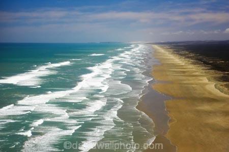 aerial;aerials;beach;beaches;beautiful;coast;coastal;coastline;far-north;new-zealand;Ninety-Mile-Beach;north-is.;north-island;northland;ocean;sand;scenic;sea;shore;shoreline;straight;tasman-sea;tourism;tourist;tourists;water;waterside;waves