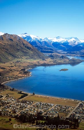 landscape;hill;range;mountain;mountains;mountainous;snow;snowline;island;islands;hills;hilly;foothills;pure;natural;nature;clean;colour;color;blue;spectacular;mountain-range;central-otago;village;alpine-village;villages;town;towns;ski-village