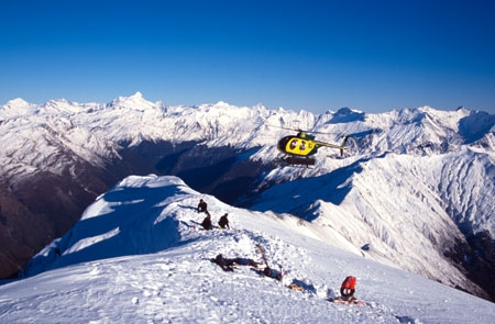 Action;Air;Aircraft;Aircrafts;Color;Colour;Daytime;Exterior;flight;Flights;Fly;Fly-over;Flying;Flying-over;height;heights;heli-flight;heli-ski;heli_flight;heli_ski;helicopters;jagged;Motion;Mount-Aspiring-National-Park;mountain;Mountain-range;mountains;Movement;Outdoor;Outdoors;Outside;parks;peak;peaks;rotor;rotors;Skies;Sky;snowy;Transport;Transportation;Transports;yellow