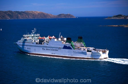 ferry;boat;boats;ship;ships;roll_on-roll_off;roll-on;roll-off;straits;transport;transportation;ferrying;passenger;passengers;car;cars;truck;trucks;wagons;freight;freighting
