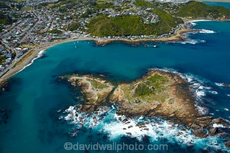 aerial;aerial-image;aerial-images;aerial-photo;aerial-photograph;aerial-photographs;aerial-photography;aerial-photos;aerial-view;aerial-views;aerials;bay;bays;coast;coastal;coastline;coastlines;coasts;Cook-Strait;island;Island-Bay;Island-Bay-suburb;islands;N.I.;N.Z.;New-Zealand;NI;North-Is;North-Island;NZ;sea;seas;shore;shoreline;shorelines;shores;Tapu-Te-Ranga-Is;Tapu-Te-Ranga-Island;The-Esplanade;water;Wellington