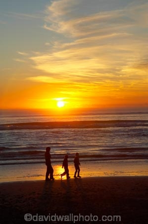 beach;beaches;boy;boys;brother;brothers;calm;child;children;cloud;clouds;coast;coastal;coastline;coastlines;coasts;dusk;evening;families;family;foreshore;girl;girls;Greymouth;Karoro;kid;kids;little-boy;little-girl;mother;mothers;N.Z.;New-Zealand;nightfall;NZ;ocean;orange;people;person;placid;quiet;reflection;reflections;S.I.;sea;serene;shore;shoreline;shorelines;shores;SI;sibbling;sibblings;sister;sisters;skies;sky;small-boys;small-girls;smooth;South-Is;South-Island;still;sunset;sunsets;Tasman-Sea;tranquil;twilight;water;West-Coast;Westland