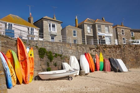boat;boats;Britain;building;buildings;canoe;canoes;coast;coastal;coastline;coastlines;coasts;Cornwall;dinghies;dinghy;dories;dory;England;foreshore;G.B.;GB;Great-Britain;heritage;historic;historic-building;historic-buildings;historic-fishing-village;historic-fishing-villages;historic-village;historic-villages;historical;historical-building;historical-buildings;history;kayak;kayaks;Mousehole;Mousehole-fishing-village;Mousehole-village;old;Penzance;row-boat;row-boats;rowboat;rowboats;sea-kayak;sea-kayaks;sea-wall;sea-walls;seawall;seawalls;shore;shoreline;shorelines;shores;tradition;traditional;U.K.;UK;United-Kingdom
