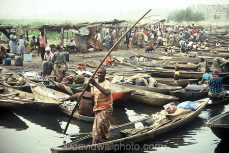 ganvie;pirogue;pirogues;dugout;dugouts;canoe;canoes;boat;boats;poler;poling;polers;markets;market;africa;african;africans;black;ethnic;male;people;person;persons;traditional;traditions;culture;cultural;cultures;tribe;tribes;tribal;west-africa;indigenous;native;crowded;busy;colourful;lake-nokoue;abomey-calavi;abomey_calavi;cotonou;benin;west-africa