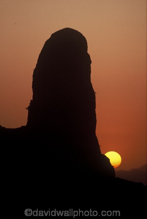 pinnacles;pinnacle;volcanic-plug;mountain;mountains;sun;sunsets;sunset;sundown;volcano;cameroon;the-camerouns;the-cameroons;peak;peaks;orange;yellow;dusk;twilight