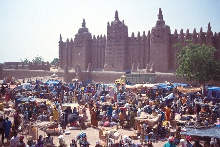 africa;african;africans;ethnic;male;people;person;persons;portrait;tradition;traditional;costume;costumes;traditions-costume;traditional-costumes;culture;cultural;cultures;indigenous;native;stall;stalls;market;markets;cloth;material;cotton;textile;textiles;color;colors;colours;colour;commerce;historic;historical;mosque;mosques;architecture;architectural;mud;adobe;mali;malian;west-africa;djene;djenne;jenne;jene;jenne-jeno;crowd-;busy;shopping;buying;sahel;market-day;weekly-market