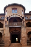 camerouns;cameroon;cameroons;cameroun;West-Africa;africa;african;Sultans-;Sultan;fon-fons;Palace;palaces;Foumban;architecture;architectural;fort;forts;historic;historical;entrance;entranceway;door;doorway