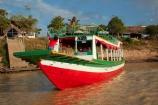 Asia;boat;boats;Cambodia;Chong-Khnies;Chong-Kneas;Indochina-Peninsula;Kampuchea;Kingdom-of-Cambodia;long-boat;long-boats;long-tail-boat;long-tailed-boat;long_tail-boat;long_tailed-boat;passenger-boat;passenger-boats;Port-of-Chong-Khneas;Siem-Reap;Siem-Reap-Province;Siem-Reap-River;Southeast-Asia;tour-boat;tour-boats;tourist-boat;tourist-boats