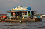 Asia;Cambodia;Cambodian-floating-village;Cambodian-floodplain;Cambodian-village;Chong-Khneas;Chong-Khneas-Floating-Village;Chong-Khnies;Chong-Kneas;Chong-Kneas-Floating-Village;floating-home;floating-homes;floating-house;floating-houses;floating-shop;floating-shops;Floating-Village;Floating-Villages;freshwater-lake;freshwater-lakes;Indochina-Peninsula;Kampuchea;Kingdom-of-Cambodia;lake;lakes;Lower-Mekong-Basin;Mekong-Plain;Siem-Reap;Siem-Reap-Province;Southeast-Asia;Tonle-Sap;Tonle-Sap-Lake;Tonlé-Sap;Tonlé-Sap-Lake;UNESCO-Biosphere-Reserve