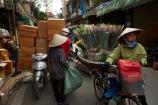 Asia;Asian;bike;bikes;conical-hat;flower;flower-seller;flower-vendor;flowers;Hanoi;Hanoi-Old-Quarter;hat;heavy-load;motorbike;motorbikes;motorcycle;motorcycles;motorscooter;motorscooters;Nom-la;Old-Quarter;overload;overloaded;people;person;scooter;scooters;South-East-Asia;Southeast-Asia;step_through;step_throughs;street;street-scene;street-scenes;streets;vendors;Vietnam;Vietnamese;Vietnamese-hats