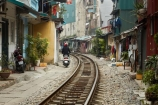 alley;alleys;alleyway;alleyways;apartments;Asia;Asian;back-street;back-streets;backstreet;backstreets;Hanoi;house;houses;housing;lane;lanes;laneway;laneways;people;person;poor;poverty;rail-line;rail-lines;rail-track;rail-tracks;railroad;railroads;railway;railway-line;railway-lines;railway-track;railway-tracks;railways;South-East-Asia;Southeast-Asia;street;street-scene;street-scenes;streets;track;tracks;train-track;train-tracks;transport;transportation;Vietnam;Vietnamese