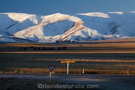 Central-Otago;cold;Coldness;extreme-weather;freeze;freezing;give-way-sign;giveway-signs;Hawkdun-Ra;Hawkdun-Range;Hills-Creek;Ida-Ra;Ida-Range;Ida-Rd;Ida-Valley;Idaburn;Maniototo;N.Z.;New-Zealand;NZ;Omakau;Otago;Oturehua;Ranfurly;road-sign;road-signs;S.H.85;S.I.;Scenic;Scenics;Season;Seasons;SH85;SI;signpost;signposts;snow;snowy;South-Is;South-Island;State-Highway-85;Sth-Is;weather;white;winter;Wintertime;wintery;wintry