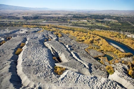 Earnscleugh Historic Gold Dredge Tailings, and Clutha River