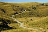 countryside;dusty;gravel-road;gravel-roads;Lake-Mahinerangi;lawrence;metal-road;metal-roads;metalled-road;metalled-roads;New-Zealand;Otago;Road;roads;rural;South-Island;tussock;Tussocks