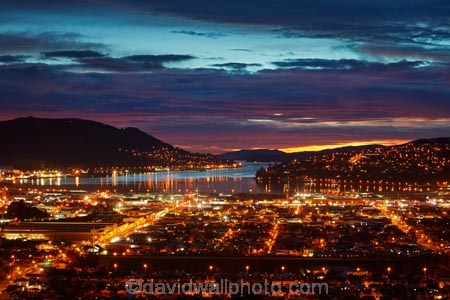 cloud;clouds;dawn;Dunedin;light;lighting;lights;N.Z.;New-Zealand;night;night-time;night_time;NZ;Otago;Otago-Harbour;S.I.;SI;South-Is;South-Island;Sth-Is;twilight;South-Dunedin;street-lights;street-lighting;night;vista;view;views;street-lighting;night-glow;night-view;night-views;night-vista