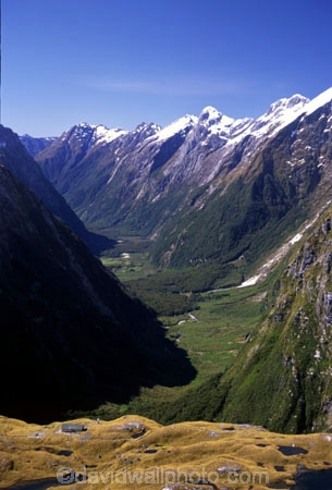aerials;beautiful;beauty;clinton-canyon;fiordland-national-park;glacial-valley;great-walks;hike;hikes;hiking;majestic;middle-earth;mountain;mountains;natural;nature;peak;peaks;ridge;ridge-line;ridge_line;ridgeline;scene;scenic;south-west;southland;summit;summits;te-wahipounamu-south_west-new-zealand-world-hertitage-area;tracks;tramp;tramping;tramps;valleys;walk;walking;walks;water