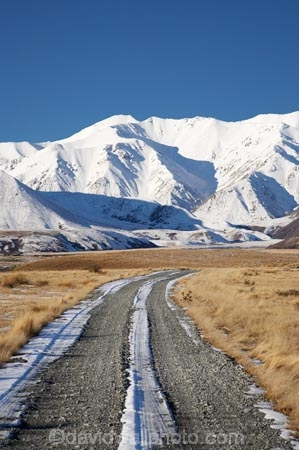 Canterbury;cold;countryside;gravel-road;gravel-roads;Hakatere-Conservation-Park;Lake-Heron;metal-road;metal-roads;metalled-road;metalled-roads;Mid-Canterbury;N.Z.;New-Zealand;NZ;road;roads;rural;S.I.;season;seasonal;seasons;SI;snow;snowy;South-Is;South-Island;Taylor-Range;white;winter;wintery