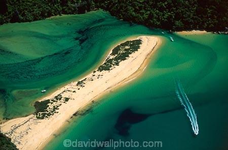 aerials;aqua;bars;boat;boats;color;colors;colour;colours;estuaries;estuary;green;inlet;inlets;kayak;kayaking;kayaks;lagoon;lagoons;sand-bar;sea;speed-boat;wake;water
