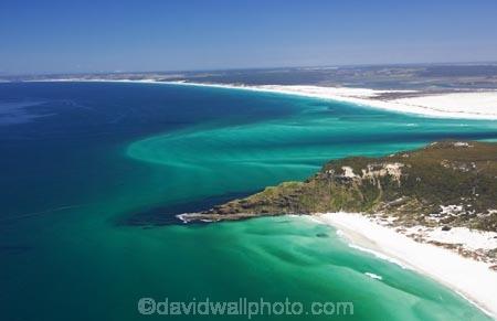 aerial;aerials;aqua;beach;beaches;beautiful;blue;channel;Coal-Point;coast;coastal;coastline;color;colors;colour;colours;estuary;Far-North;green;harbor;harbors;harbour;harbours;Kokota;new-zealand;north-is.;north-island;northland;ocean;Ohao-Point;Parengarenga-Harbour;sand;sand-bar;sand-bars;scenic;sea;shore;shoreline;straight;teal;The-Sandspit;tidal;tide;tides;water;waterside;waves
