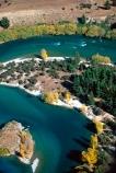 river;rivers;clutha;island;islands;tree;trees;curve;curves;s;s-curve;s_curve;s-bend;s_bend